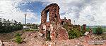 Руины командного пункта на острове Людникова