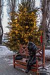 Новогодняя ёлка у кафе Шуры-муры