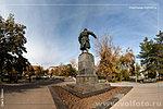 Памятник летчику Хользунову