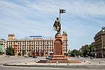 Александр Невский на площади