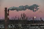 Полная луна над заводом «Красный Октябрь»