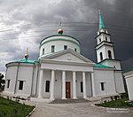 Центральный фасад карповской церкви