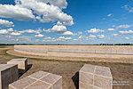 Мемориальные кубы и место захоронения