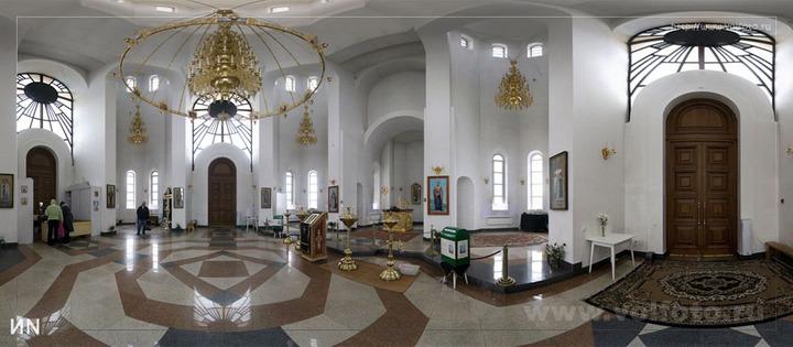 Внутри храма Всех Святых