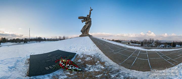 У могилы снайпера Зайцева