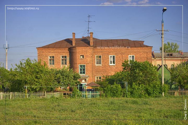 Здания на нижних Баррикадах фото