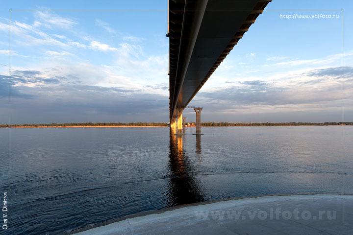 Мост через Волгу (Волгоград) .