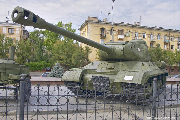 Тяжелый танк ИС-2 фото
