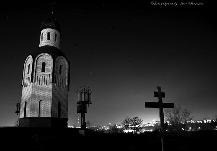 Храм-часовня на воинском кладбище фото